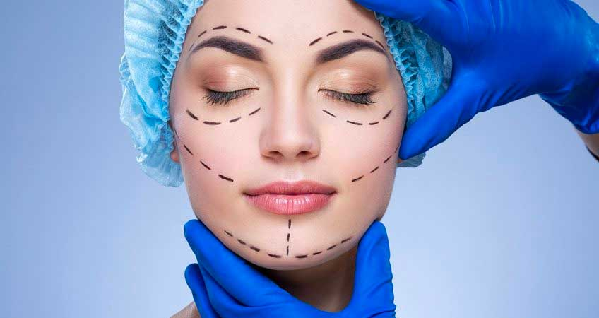 Benefits of consulting with a cosmetic surgeon in Delhi that may change your perspective